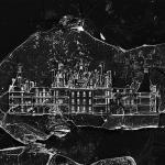 線の太さは0.00005mm 一粒の砂に描かれたお城のイラスト