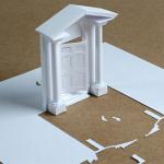 A4サイズの用紙から切りだされた精巧な切り絵