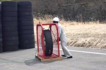 大きいタイヤに限界まで空気を入れてみた結果