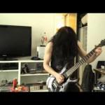 自分の世界に入ってノリノリで練習をするギタリスト 彼に不幸な事故が襲う