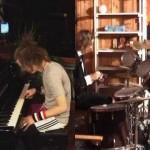 聞いてると気分がノッてくる! ド素人が演奏したドラムとピアノを編集だけでカッコよくしてみた