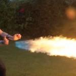 X-MENの火の能力者を再現 手から3.6メートルの火柱を噴き上げる火炎放射器を作成
