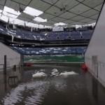 かつての栄光は何処へ・・・ 廃墟寸前になってしまったスタジアムの姿