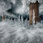 90年も稼働したままほったらかしだった巨大冷凍倉庫の中に広がる氷の世界