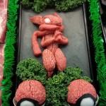 これぞ「肉の彫刻」 ひき肉を素敵に盛りつけて飾っちゃうお肉屋さん