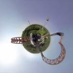 ジェットコースターの視点を360度全周囲のパノラマにまとめた不思議な映像