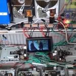 フロッピーディスク・ドライブとハードディスク・ドライブの稼動音で「サウンド・オブ・サイレンス」を演奏