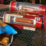 お日様が昇ればホカホカのフランクフルトが食べられる プリングルズの空き容器でソーラークッカーを自作