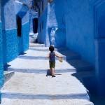 鮮やかなブルーに包まれたモロッコの古い町「シャウエン」