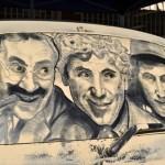 汚い車が美麗なアートに 車に積もったホコリで描かれたイラスト
