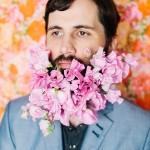 ダンディズムに華を ヒゲが似合う男性のヒゲを花で装飾してみた
