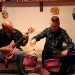 弘法は筆を選ばず 子供用の楽器でメタルをガチで演奏