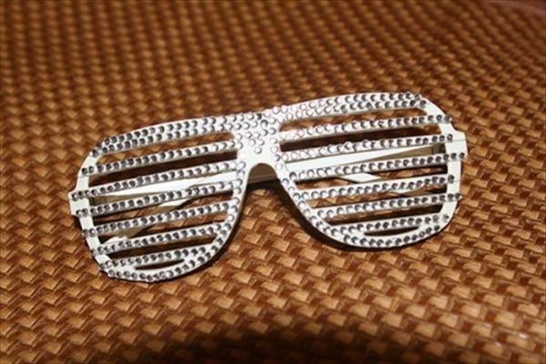 もはやサングラスとしては機能してない!? 奇抜過ぎるデザインのサングラス21選