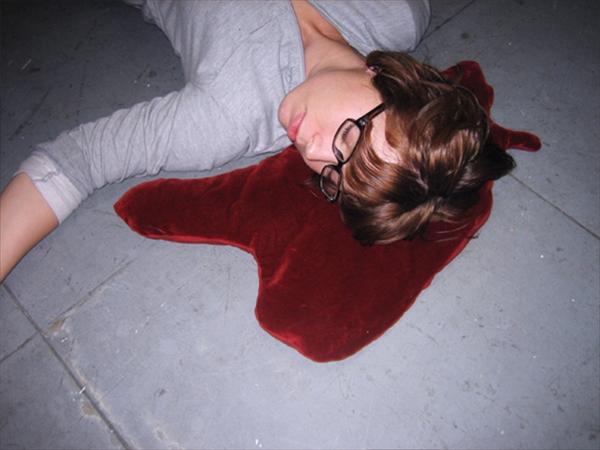 眠りにつくのが楽しくなるかもしれないユニークな枕集